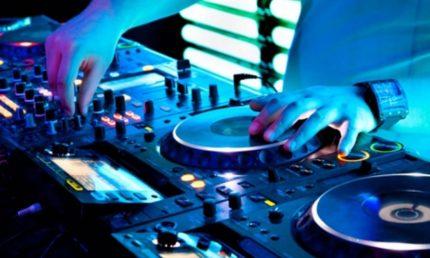 Thursdays with DJ Brunetto